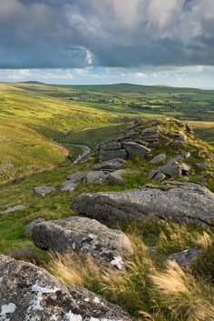 -Above the Cleave  Dartmoor, Devon- is the same landscape that is in my country Galician-Spain.