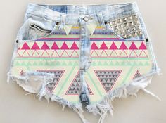 ANY COLOR Aztec Print Ripped Frayed Denim High-Waisted Shorts from UniversalShop on Etsy. Saved to clothes. Diy Shorts, Mode Shorts, Tribal Shorts, Shorts Jeans, Diy Fashion, Teen Fashion, Ideias Fashion, Womens Fashion, Fashion Shorts