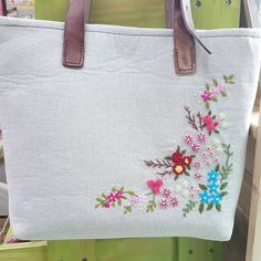 Embroidery Purse, Hand Embroidery Patterns, Embroidery Applique, Cross Stitch Embroidery, Machine Embroidery Projects, Brazilian Embroidery, Jute Bags, Craft Bags, Linen Bag