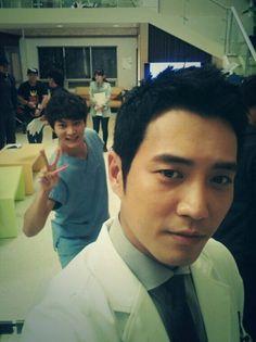 기사 본문 보기- Good Doctor #kdrama Joo Won (back) & Joo Sang Wook