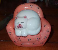 Cat on Chair Salt and Pepper Shaker | eBay