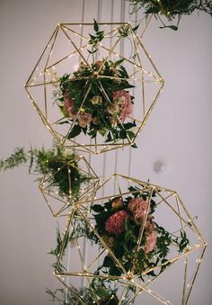 geometric flowers wedding decor / www.deerpearlflow… geometric flowers wedding decor / www. Wedding Goals, Our Wedding, Wedding Planning, Dream Wedding, Trendy Wedding, Geometric Flower, Geometric Wedding, Geometric Shapes, Geometric Decor