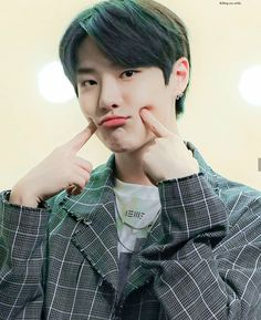 Ketika anak bisa jadi apa aja I don't know, i'll continue to write this book or not after i hear the breaking news. Guys I'am so sorry for slow update and t. K Pop, Yohan Kim, Killing Me Softly, Yuehua Entertainment, 3 In One, My Prince, Kpop Boy, First Photo, My Sunshine