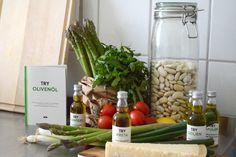 MEDITERRAN MIT TRY FOODS  Mediterran mit TRY FOODS TRY FOODS – der Name ist Programm. Auch wir haben das Berliner Start-Up Try Foods getestet. Try Foods liefert hochwertige Produkte zum Probieren und Testen. Hinzu gibt es immer passende Hintergrundinformationen. Auf der Webseite www.tryfoods.de kann zwischen verschiedenen, lebensmittelbezogenen Probierpaketen gewählt werden. Neben Kaffee, Salz, Pfeffer oder Schokolade kann auch Olivenöl getestet werden, für welches wir uns entschieden haben.