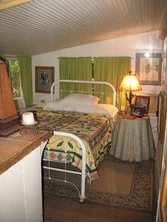 Cottage_guestroom