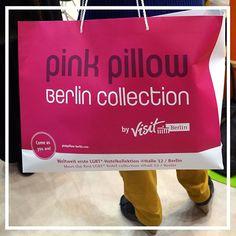 Unser Fundstück der Woche: die Pink-Pillow-Tasche von der ITB! Wir sind stolzes gayfriendly Hotel von @Visit_Berlin! #Fundstück #PinkPillow #Visit_berlin #gayfriendly #Hotel #Travel #Reise #Berlin #ITB2016 #GoldenTulipBerlin