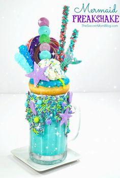"""Ariel"" Mermaid Freakshake Let your culinary imagination run wild with this over-the-top spectacular Mermaid Freakshake! Candy Drinks, Fun Drinks, Yummy Drinks, Yummy Treats, Sweet Treats, Yummy Food, Crazy Shakes, Mermaid Cupcakes, Chocolate Milkshake"