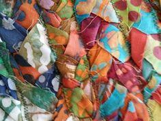The Easiest Version of a Rag Rug — Rural Urbanite - Rug making Loom Knitting Patterns, Knitting Tutorials, Free Knitting, Stitch Patterns, Rug Patterns, Toothbrush Rug, Rag Rug Diy, Braided Wool Rug, Rag Rug Tutorial