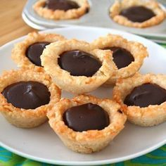 Low Carb Keto Chocolate Macadamia Nut Tarts | All Day I Dream About Food
