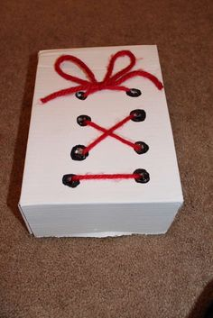 Use a Box To Practice Tying Shoes and Making Bows - Good for fine motor skills, hand-eye coordination. Learning Activities, Kids Learning, Activities For Kids, Crafts For Kids, Preschool Education, Preschool Class, Learn To Tie Shoes, Self Help Skills, How To Make Bows