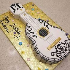 When Life Gets Me Down, I Play My Guitar - Disney's Coco. . . . . . . . #disney #disneyland #disneymovie #coco #guitar #guitarcake #cake #themecake #cakes #birthday #music #dayofthedead #disneyinspired #art #chefofinstagram #chefoninstagram #gold #pixar #baker #bakery #fondantcake #fondant #royalicing #skull
