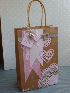 Craft Bags, Craft Gifts, Diy Gifts, Paper Gift Bags, Paper Gifts, Creative Gift Wrapping, Creative Gifts, Homemade Gift Bags, Decorated Gift Bags