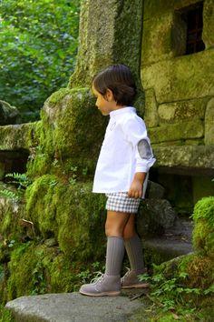 Topo - Gansetes Moda Infanitl Vintage Kids Fashion, Vintage Boys, Cute Baby Boy Outfits, Kids Outfits, Chicken Clothes, Little Man Style, Kids Winter Fashion, Young Fashion, Women's Fashion