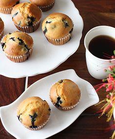 Eggless Blueberry Muffins Recipe - RecipeChart.com #Breakfast #Desserts #Snack
