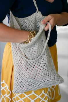 Quince & co.'s dejeuner bag in linen Hand Knitting, Knitting Patterns, Crochet Patterns, Knitting Ideas, Knitting Needles, Crochet Ideas, Knit Or Crochet, Learn To Crochet, Knitted Bags