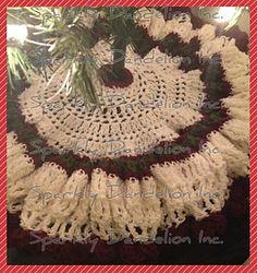 Ravelry: Christmas Tree Skirt pattern by Sparkly Dandelion Inc. Xmas Tree Skirts, Christmas Tree Skirts Patterns, Crochet Christmas Decorations, Crochet Christmas Trees, Christmas Crochet Patterns, Holiday Crochet, Christmas Knitting, Thanksgiving Crochet, Christmas Skirt