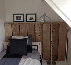 Steigerhouten radiator ombouw Loft Room, Bedroom Styles, Pallet Furniture, Pallet Projects, Home Bedroom, Kids And Parenting, Sweet Home, New Homes, Indoor