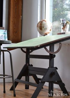 painted drafting table (as chalk paint - graphite) want for gavins room Vintage Drafting Table, Woodworking Inspiration, House Interior, Furniture, Furniture Projects, Craft Room Furniture, Home Furniture, Industrial Drafting Tables, Refinishing Furniture