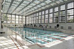Construite en 1930 par l'architecte Carlo Jelkmann sous la devise « de la lumière, de l'air et du soleil », puis rénovée au début des années 1990, la pisci