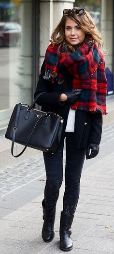 Marianna Mäkelä : Karen Walker Northern Lights sunglasses, Zara double-sided plaid scarf, black coat, black Prada Saffiano bag, black skinny pants & black ankle boots