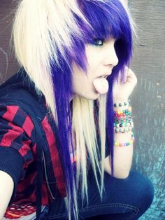 Best Pic Scene Hair white Popular Locating field hairstyles that look awesome although not motto can be difficult, partially because Emo Scene Hair, Emo Hair, Blonde Scene Hair, Punky Hair, Style Emo, Cute Emo Girls, Suicide Girls, Corte Y Color, Scene Girls