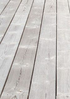 How to white wash your floorboards with Chalk Paint® by Annie Sloan in White. Painted Wooden Floors, Painted Floorboards, Wooden Flooring, Painted Furniture, White Floorboards, White Washed Floors, White Flooring, Wood Floor Kitchen, Floor Design