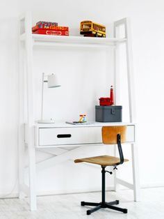 Rafa-kids : COMING kids - Dutch furniture for kids Home Decor Furniture, Kids Furniture, Luxury Furniture, Simple Desk, Luxury Chairs, Interior Design Advice, Kid Desk, Kid Spaces, Work Spaces