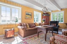 (1) FINN – ØSTRE HOSLE GÅRD - Idyllisk villaeiendom med vakker arkitektur - Låve…