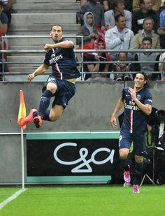 Zlatan Ibrahimovic exulte, il vient d'ouvrir le score pour le PSG.