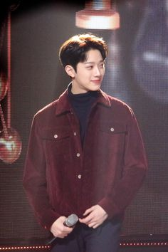 Lai Kuanlin Cr: to owner Guan Lin, Man Crush Monday, Lai Guanlin, Dream Boy, Bright Stars, 3 In One, Jinyoung, Boyfriend Material, Best Part Of Me