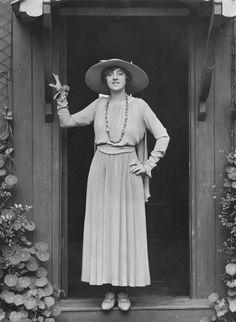 "vestatilleys: "" Violet Loraine by Bassano Ltd, 1917. """