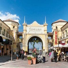 Outlet shopping village