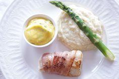 baconsurret torsk med hjemmelaget bernaise, blomkålmos og asparge