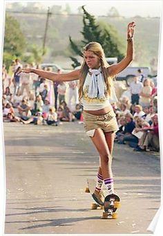 Photography Hugh Holland rediscovered photos of the hollywood skate scene Hugh Holland, Old School Skateboards, Vintage Skateboards, Retro Mode, Mode Vintage, Vintage Surf, Girls Skate, Surf Girls, American Apparel