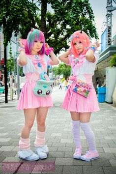 fairy kei! This style would look so good with shades of blue dominating...and turquoise...