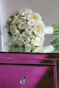 Round #BridalBouquet with white flowers
