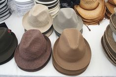 My favorite types of hats to wear throughout the seasons. Not only does it accentuate my good looks, it also helps the ladies get pushed a little more towards me. Roaring 20s Party, Roaring Twenties, The Twenties, Gatsby Party, New Fashion, Vintage Fashion, Fashion Outfits, Fashion Trends, Fashion Styles