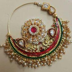 Nose Ring Jewelry, Indian Jewelry Earrings, Hand Jewelry, Bridal Jewelry, Nath Nose Ring, Antique Jewellery Designs, Gold Jewellery Design, Bridal Nose Ring, Rajputi Jewellery