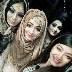 Hijab Gown, Hijab Outfit, Hijabi Girl, Girl Hijab, Cute Emo Girls, Muslim Girls, Muslim Women, Bridal Veils And Headpieces, Asian Bridal Dresses