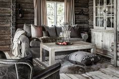 Furniture, Interior, Home and Cottage, farm, rustique, Brighton sofa, Cape Cod sofabord