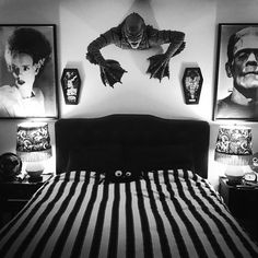 Bedroom Goals --- Omg, So Much Yes ! Thecomfycatcraftscom on Home Inteior Ideas 3638 Dark Home Decor, Goth Home Decor, Retro Home Decor, Movie Bedroom, Goth Bedroom, Trendy Bedroom, Bedroom Themes, Bedroom Decor, Bedrooms