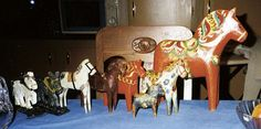Early Mor Nisser dala horse - the white to the right.