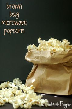 YOU GUYS.  Do you ever finally try something that you've heard about for months and months and then want to smack yourself for not trying it earlier Brown Bag Popcorn, Paper Bag Popcorn, Pop Popcorn, Homemade Microwave Popcorn, Popcorn Kernels, Popcorn Recipes, Brown Paper, Appetizer Recipes, Appetizers