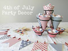 I love decorating for the 4th of July especially if I'm having a party. Who am I kidding, I don't have to have a party to make cute decorations.