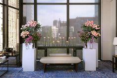 미니장미, 라일락 등의 잔잔한 꽃으로 장식한 그랜드볼룸의 신부대기실 꽃장식. 연핑크 컬러가 은은하게 연출됩니다.
