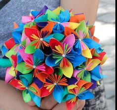 @Stéphane Rasseletéphanie Hawkins' rehearsal bouquet. I want it in red, or mint green. Origami Bouquet!