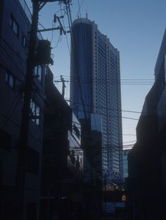 Don't rush anything. When the time is right, it'll happen. #photography #cityscape #tokyo #dusk #ahsheegrek