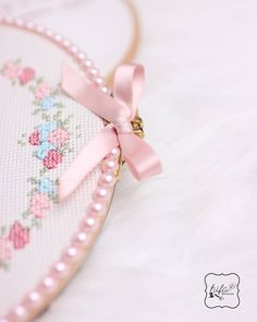 Pastelciler burda mı?💐 • • • #kanaviçepano #kanaviçe #etamin #etaminpano #elemeği #handmade #selfmade #diy #crossstiching #crosstitch #kreuzstich #geschenk #gift #hediye #hatıra #tatlı #renkli #pastel #tbt #tb #instagood #manisa #cologne #hifakanavice Pastel, Embroidery, Instagram, Frames, Needlepoint, Cross Stitch, Ideas, Cake, Drawn Thread