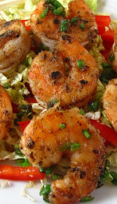 Salt & Pepper Shrimp square - So easy and SO tasty. I always love a simple salt and pepper rub on ANY protein when I eat chinese, so this was a treat. Prawn Recipes, Fish Recipes, Seafood Recipes, Asian Recipes, Great Recipes, Cooking Recipes, Favorite Recipes, Healthy Recipes, Shrimp Dishes