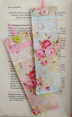 Set of two beautiful bookmarks made with shabby chic style fabrics and decorated with lace,ribbons and buttons. Each bookmark is filled with two teaspoons of English lavender and measure 5 by cms. Diy Bookmarks, How To Make Bookmarks, Homemade Gifts, Diy Gifts, Tela Shabby Chic, Book Crafts, Paper Crafts, Craft Projects, Sewing Projects